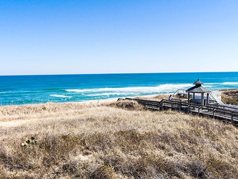 Ocean Front | Resort Condo with all of the amenities!!, holiday rental in Kill Devil Hills