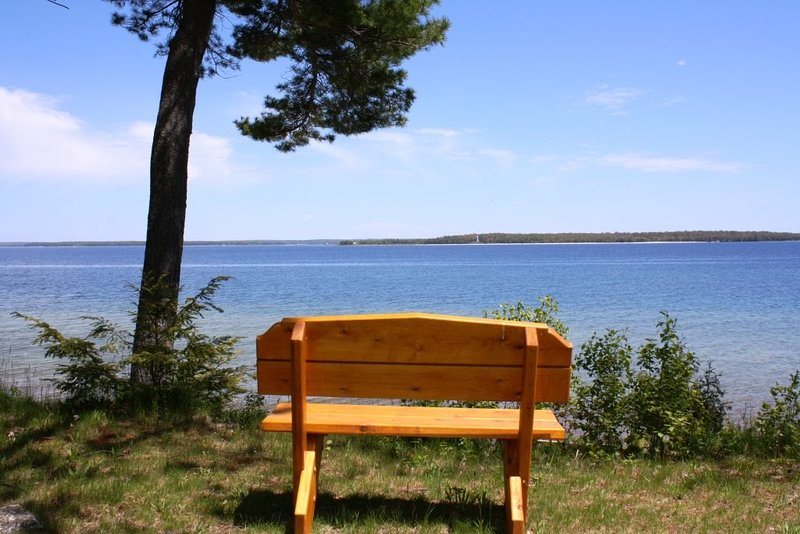 Waterfront Cottage with Views of Deaths Door, New Kitchen, holiday rental in Gills Rock