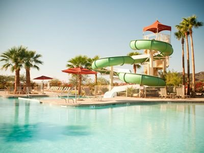 5 Star Resort Spring Training Near Peoria Sports Complex Amazing Pools and Spas, holiday rental in Sun City West