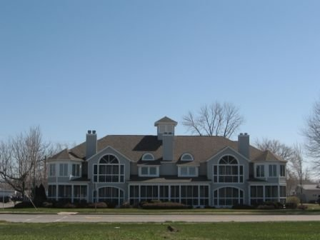 Full Lake view and gorgeous sunsets over the beach, alquiler de vacaciones en Port Clinton