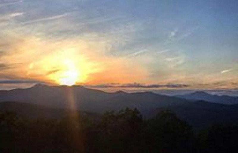 Breathtaking views of the mountain range!