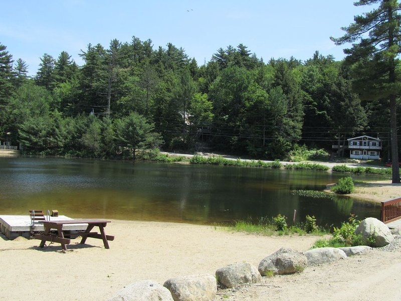 Access to 7 private pond beaches