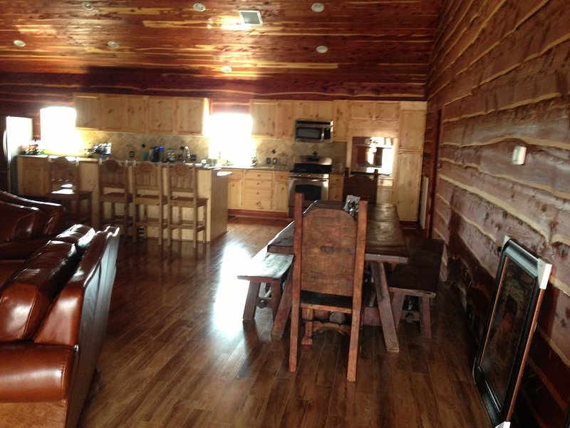 Lucas Lodge Event Center and Retreat Getaway, holiday rental in Richmond