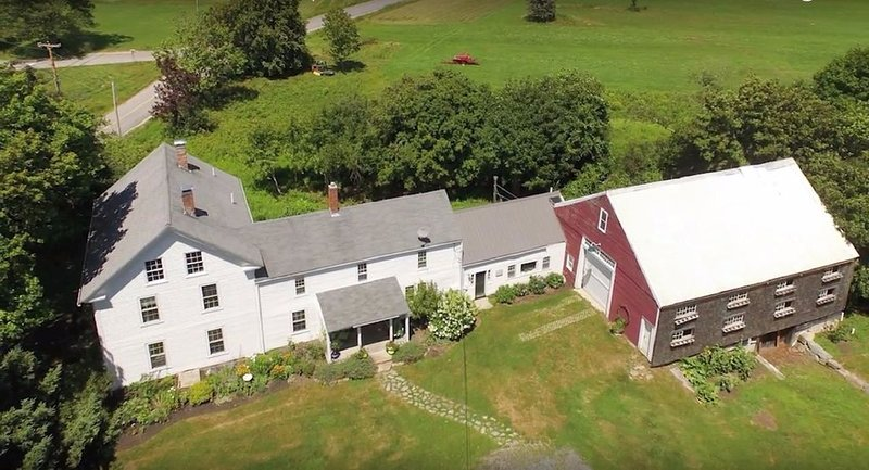 Old Schoolhouse Farm- unique historic farmhouse, vacation rental in Kennebunkport