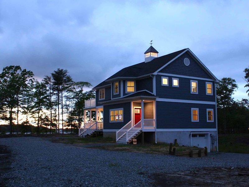 Waterfront Northern Neck Virginia Rivah Home with Kayaking and Gourmet Kitchen, aluguéis de temporada em Kilmarnock