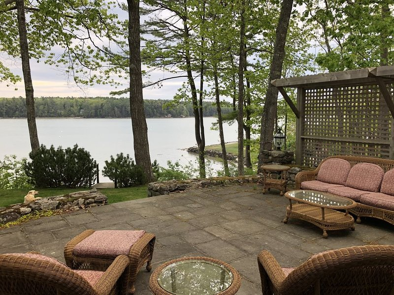 Beautiful Waterfront Home with Private Dock and Hot Tub!, vacation rental in Freeport