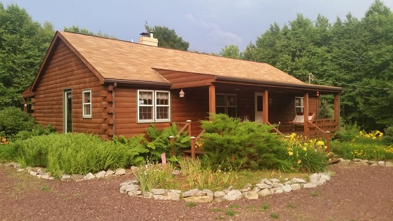 Welcome to Nickey's Nest – A relaxing mountain retreat, holiday rental in Cambra