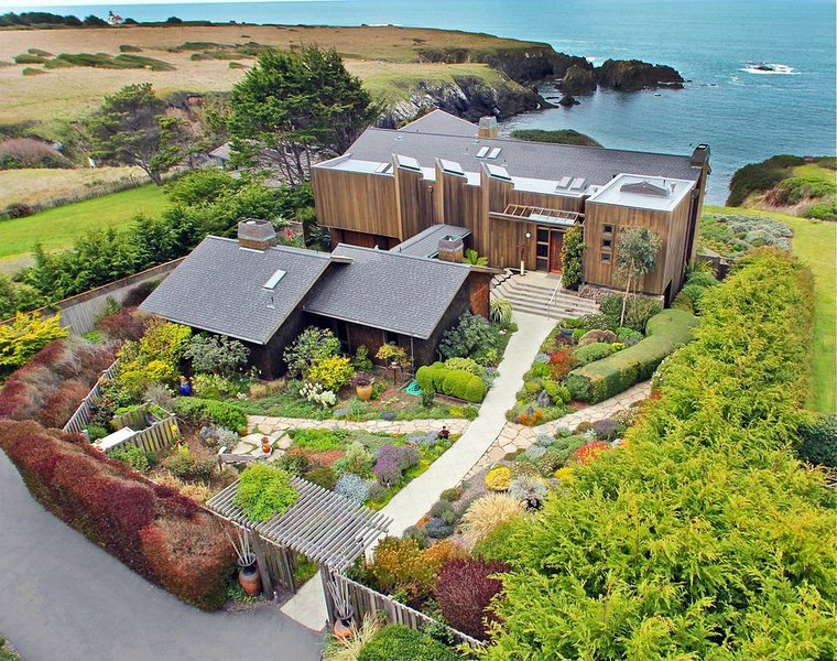 Astounding oceanfront property in Mendocino, vacation rental in Caspar