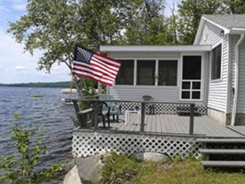 Great Maine Getaway House on the Lake, holiday rental in Medway