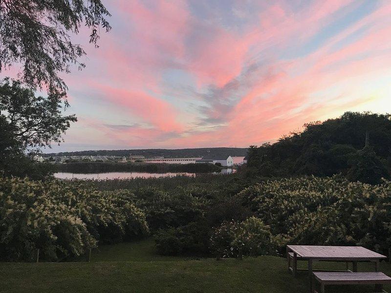 Montauk Home with Spectacular Water and Sunset Views, alquiler vacacional en Montauk