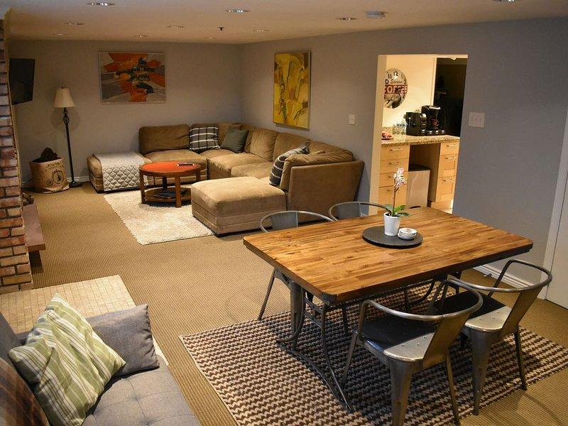 Private Basement Apartment in Olympus Cove, location de vacances à Holladay