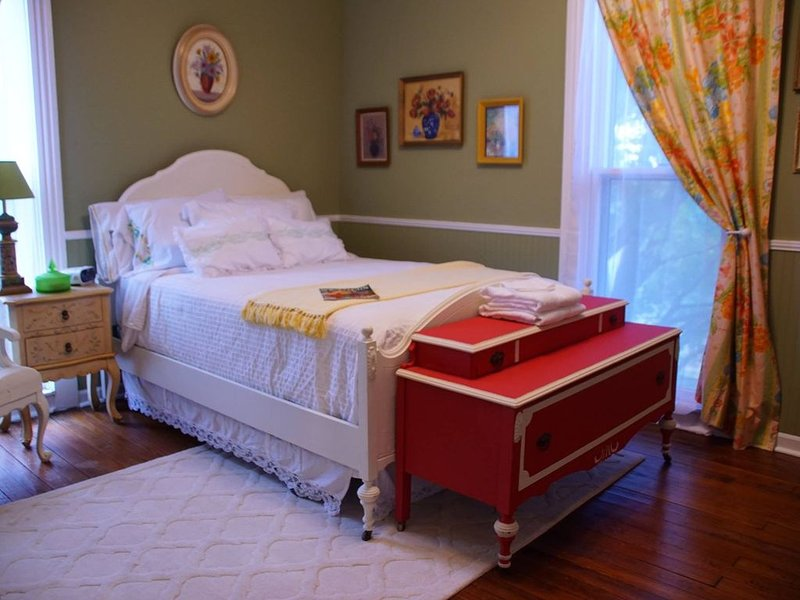 Bell Buckle Guest House, holiday rental in Beechgrove