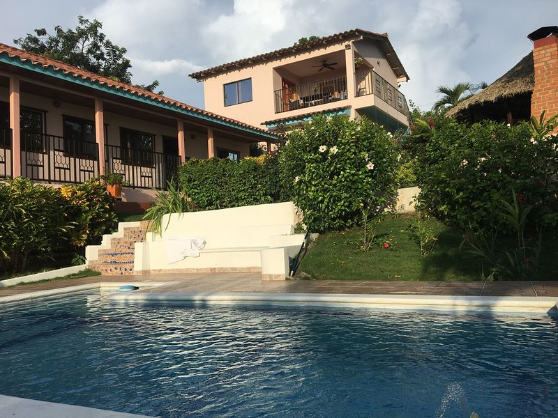 Villa Camino Alto near Cartagena: private residences, gardens, pool, super views, holiday rental in Turbaco