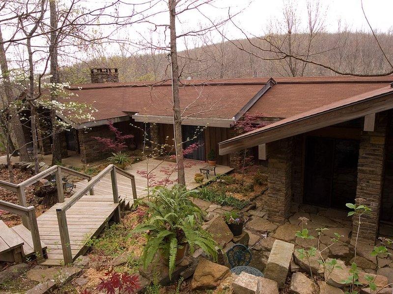 Azalea Falls Lodge - Upper Buffalo River Ozark Getaway, location de vacances à Huntsville