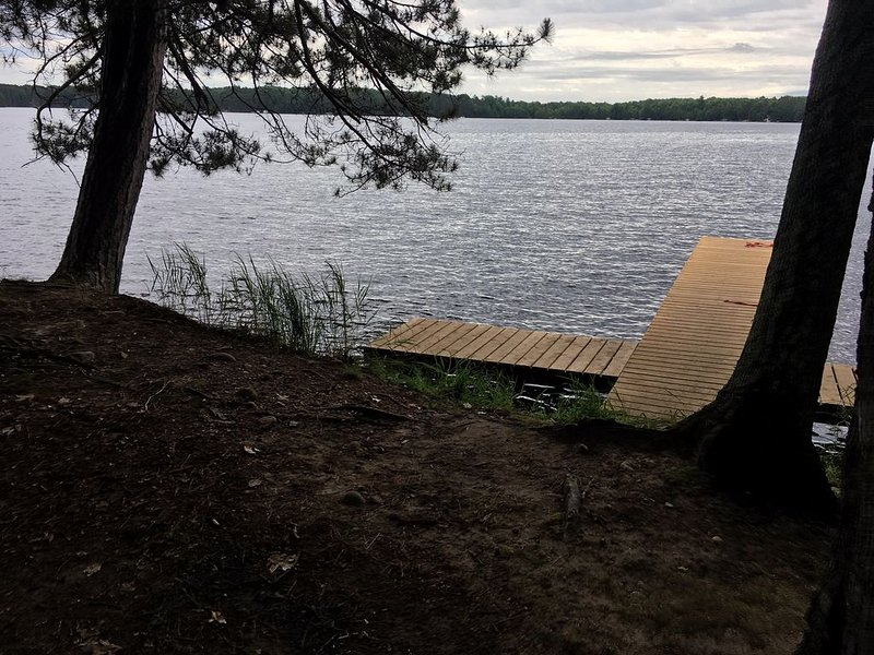 New Lake Home on Three Lakes Chain - Rustic Charm with Modern Comfort, holiday rental in Three Lakes