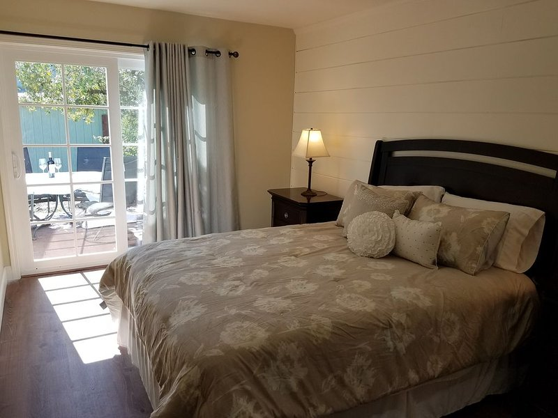 Newly redone and ready for your Napa adventure - Close to downtown, holiday rental in American Canyon
