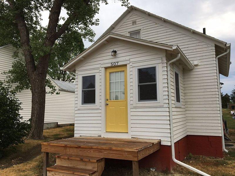 Updated Mott ND Hunter/Guest House, Ferienwohnung in North Dakota