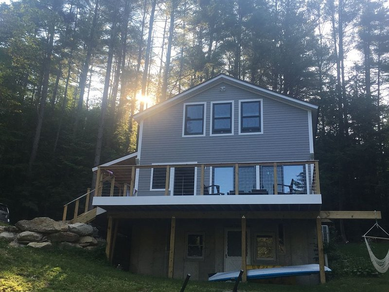 Completely Renovated Lakefront Getaway, vacation rental in Ludlow