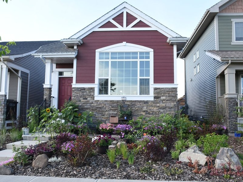Former Showhome on the Southern edge of Calgary, holiday rental in Foothills County