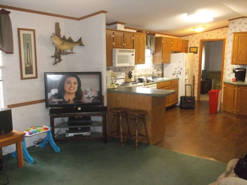 Lake Texoma Getaway - An absolute quiet place to relax, holiday rental in Kingston