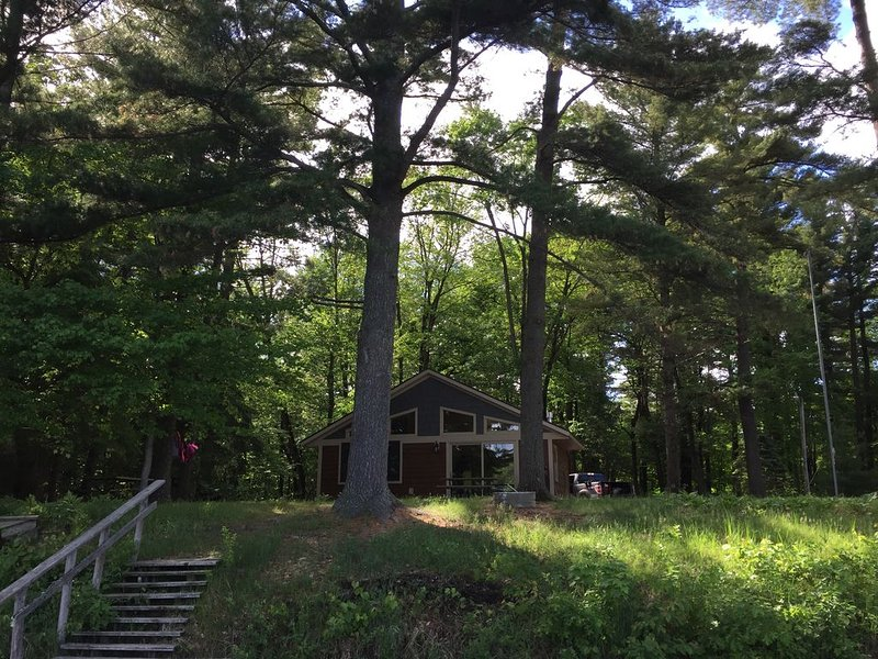 Newly Updated Lake Front Cabin in Siren, vacation rental in Luck