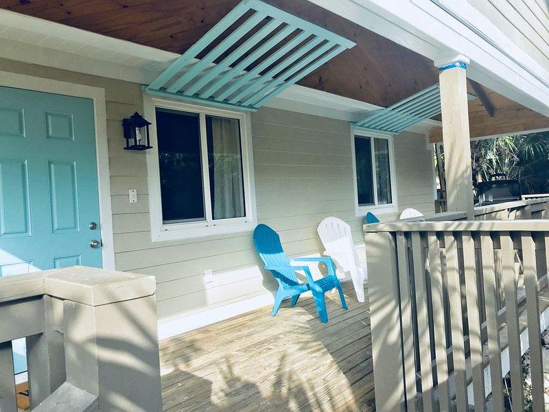 Brand New! Sunny Haze Cottage - walking distance to Twin Beach, location de vacances à Rainbow Bay