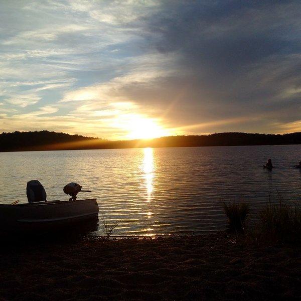 Lakeland Retreat * Molega Lake, alquiler de vacaciones en Greenfield