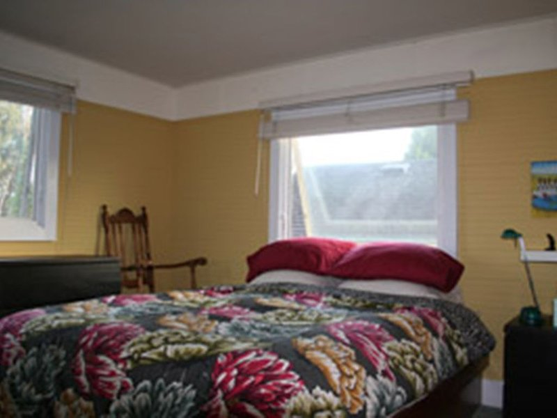 House situated on  quiet street just minutes from the ocean, holiday rental in Scotts Valley