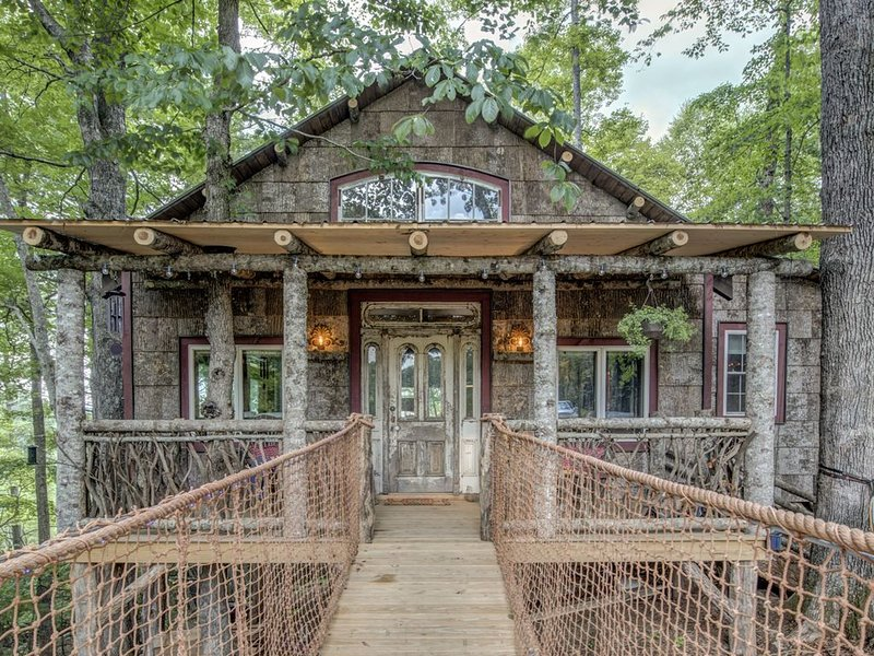 TREE HOUSE on The Farm!, vacation rental in Laurel Springs