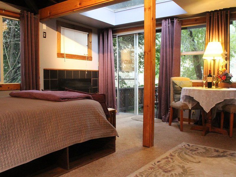 Romantic Getaway in Russian River; Dog Friendly!, casa vacanza a Monte Rio