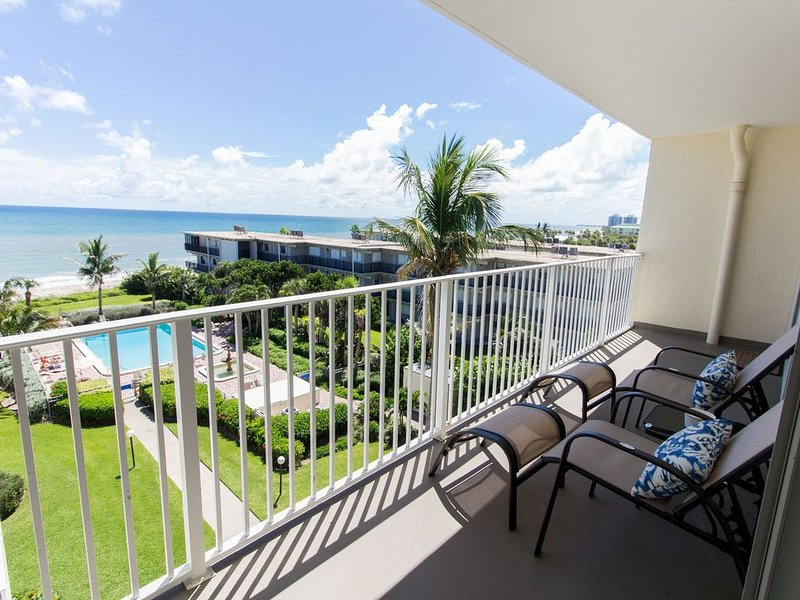 sit outside and have your coffee or wine overlooking the pool and ocean!