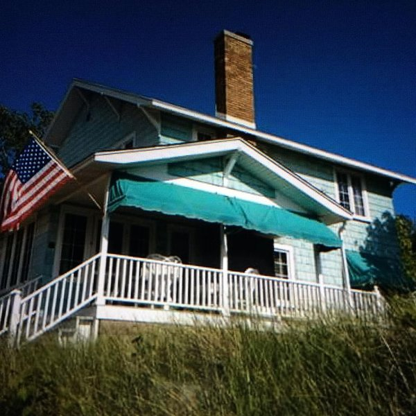 Vintage cottage on Lake Michigan in Macatawa Park, holiday rental in Macatawa
