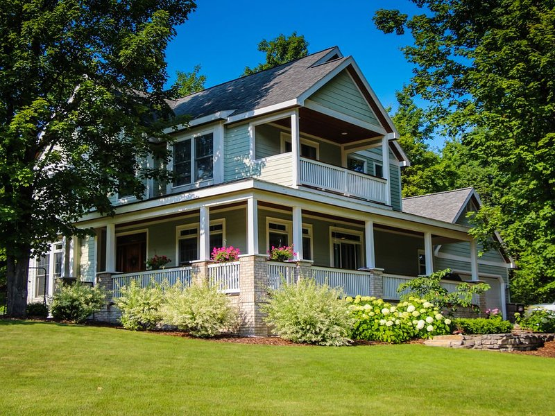 Suite Dreams of Suttons Bay | #RedLadder, holiday rental in Suttons Bay