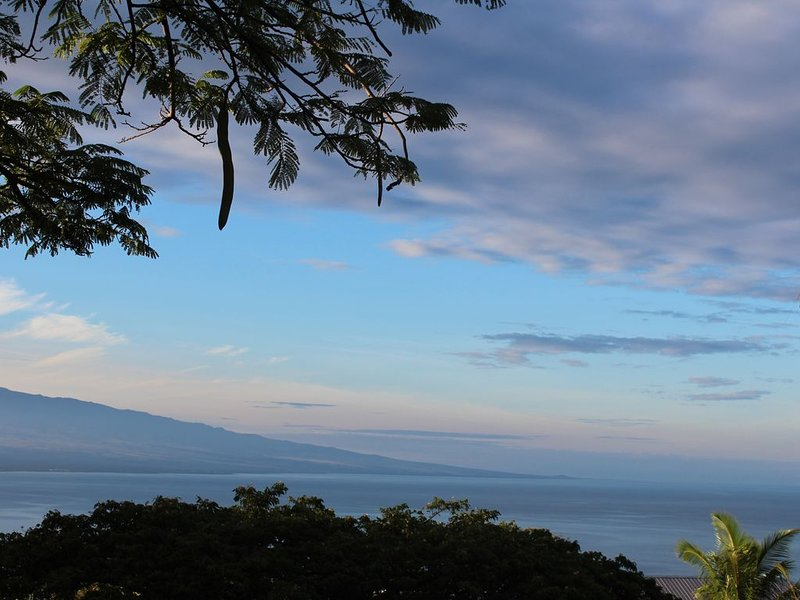 A view looking south at Hualalei and the Kona Coast.