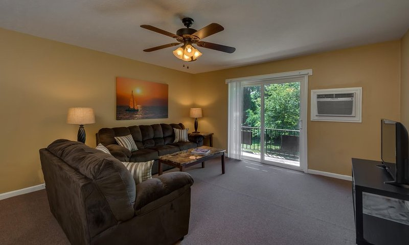 Fully Furnished Apartment for Less than the Cost of a Hotel Room, holiday rental in Rutherfordton