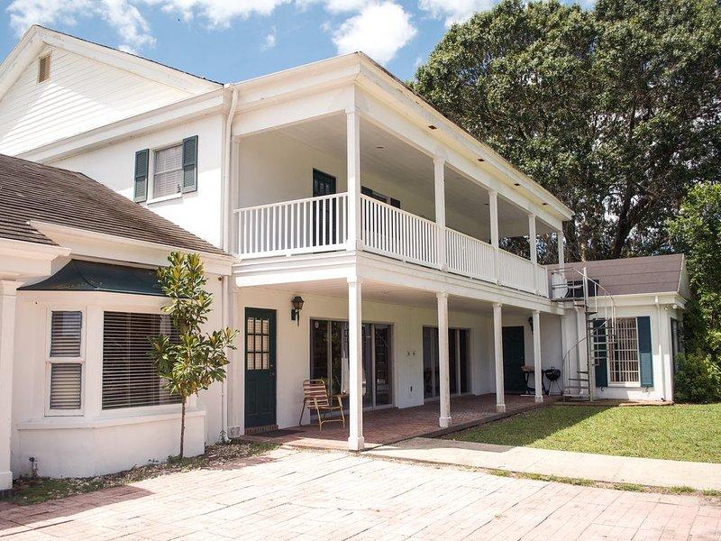 Social Distance on 40 acre Estate - The Manor, alquiler de vacaciones en Lutz