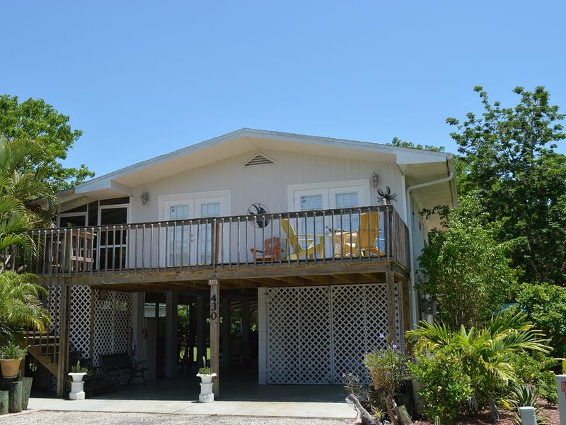 Home With Cottage Feel In Center Of Quaint Village,  Fishing, Kayaking, Dining, holiday rental in Everglades City