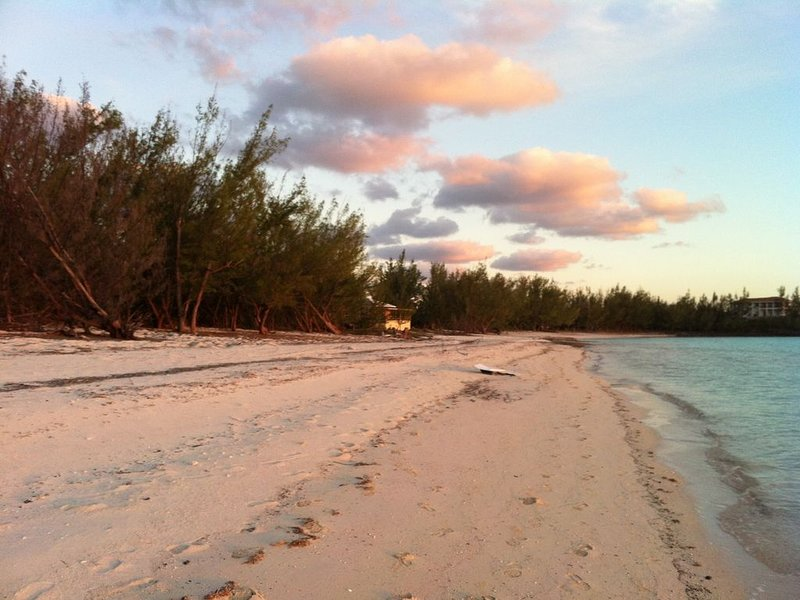 Really on Gaulding Cay Beach, Only 3 property really on this fantastic Beach., holiday rental in Gregory Town