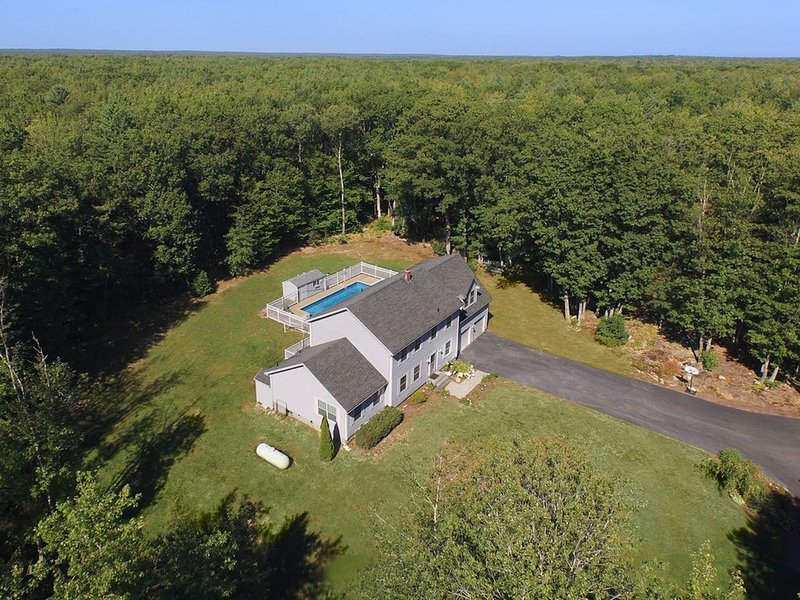 PRIVATE COMPOUND CLOSE TO BEACH, vacation rental in Kennebunkport