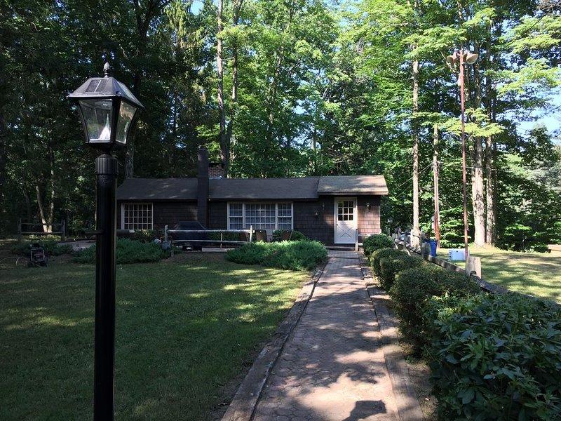 Coyote Cabin on Pristine Pine Creek!, location de vacances à Wellsboro