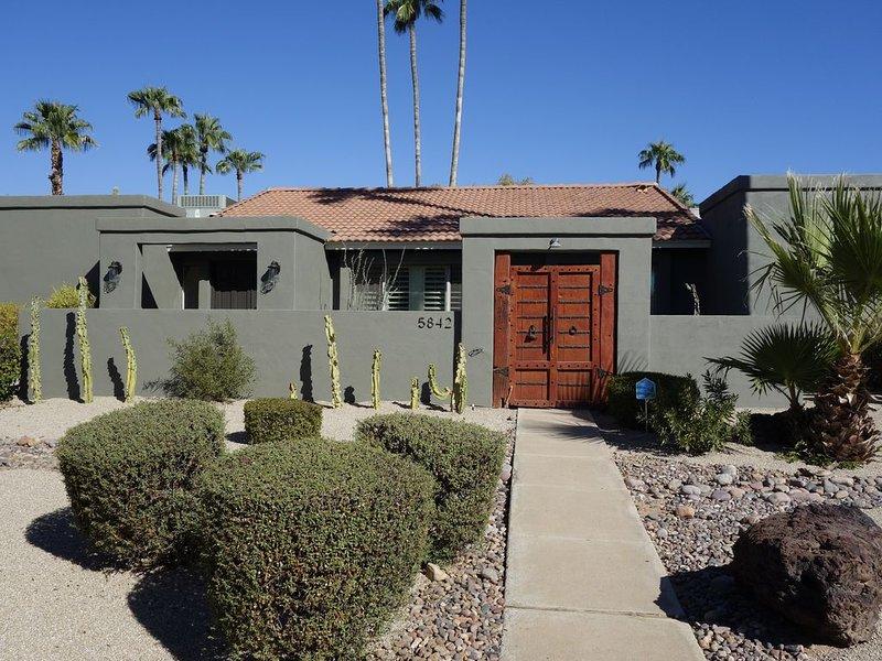 Sleeps 10 in Scottsdale. Pickle ball Court., holiday rental in Scottsdale