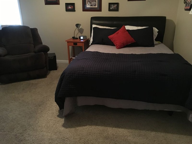 New listing! Close to U Of A campus!, vacation rental in Tuscaloosa