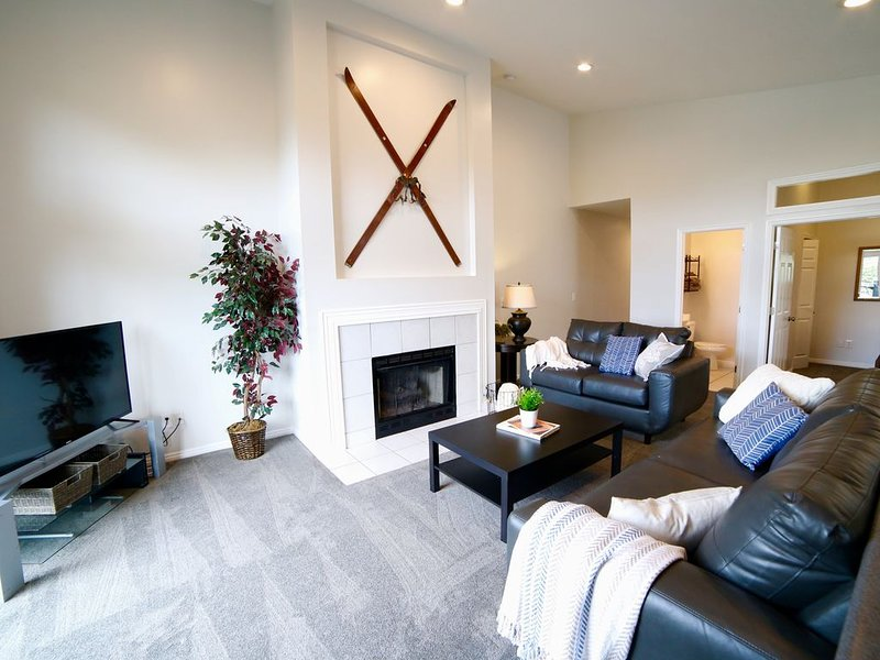 Epic Skiers Retreat with shared Hot Tub & Game Room, alquiler vacacional en Cottonwood Heights