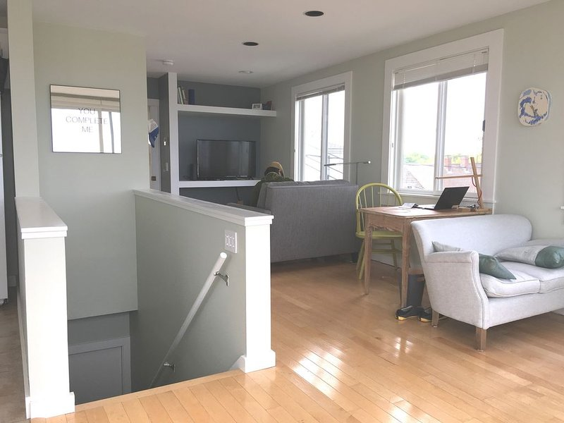 Best top floor deck and view of the water in Provincetown's Near West End, vacation rental in Provincetown