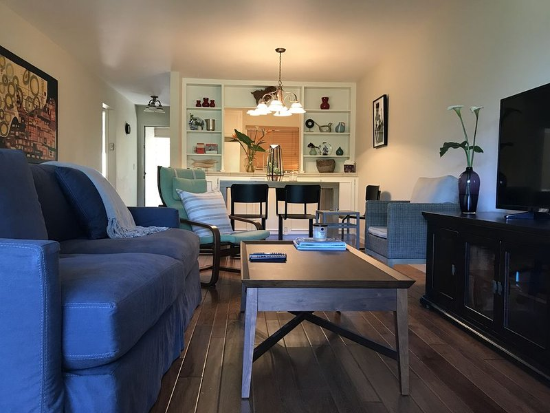Cozy 2BR+2b Condo for Weekend Getaway/Biz Travels, location de vacances à Marin County