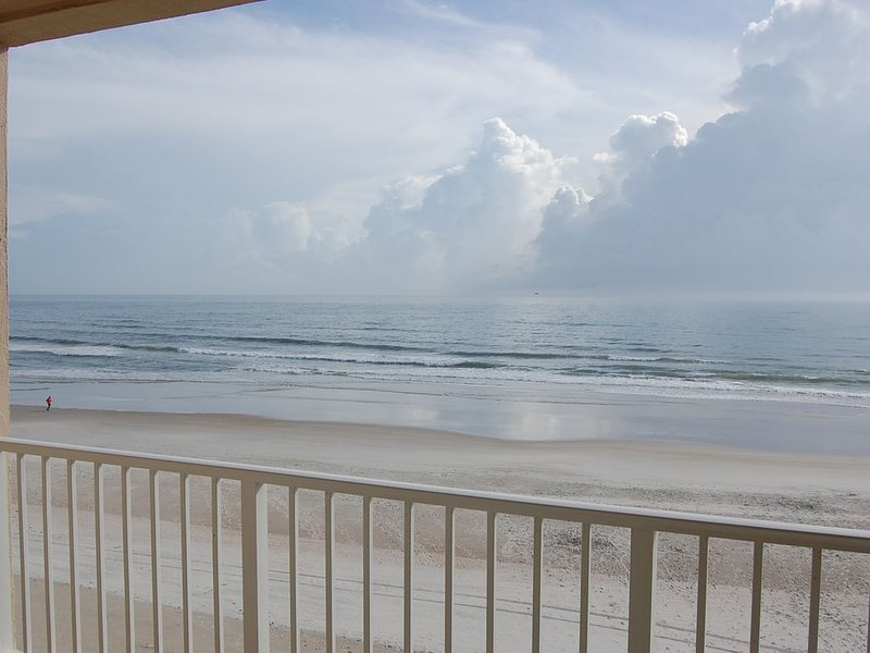 Ponce Inlet Oceanfront with Private Balcony, No-Drive Beach, Newly Renovated, vacation rental in Ponce Inlet