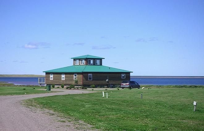 Ocean Edge Beach House, holiday rental in Summerside