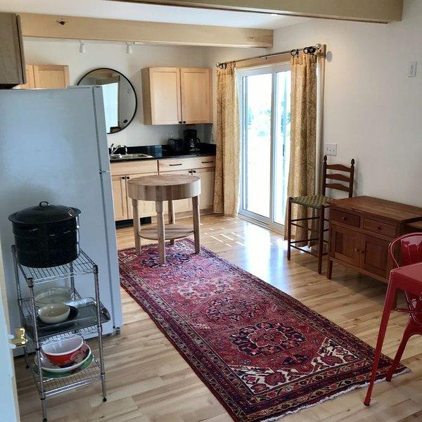 2 bedroom apartment in the Village of Winter Harbor, vakantiewoning in Winter Harbor
