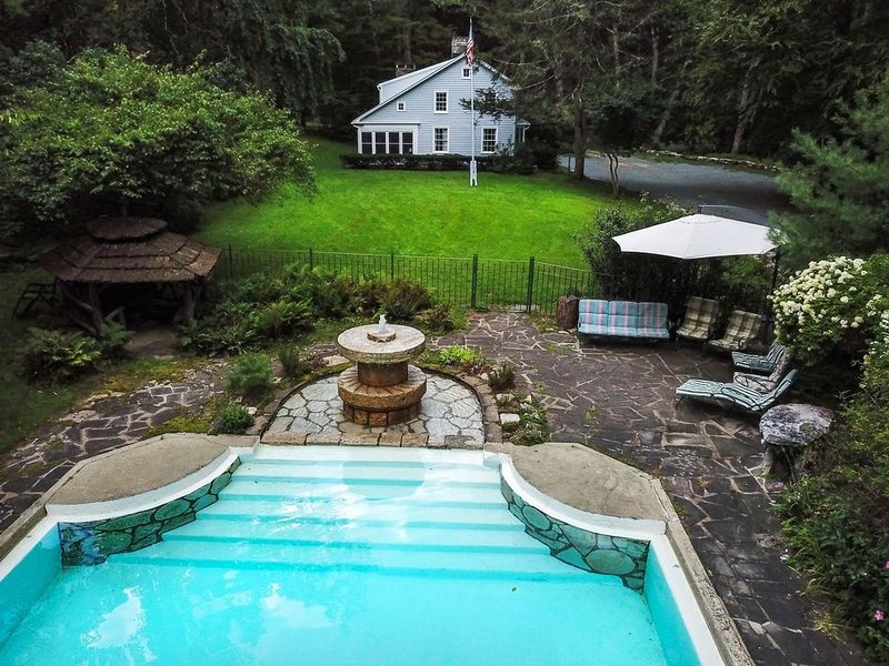 Blue Springs; secluded paradise bordering Minnewaska State Park, casa vacanza a Accord