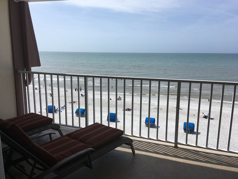 View Sunsets over the Gulf on Your Balcony!, casa vacanza a Indian Shores